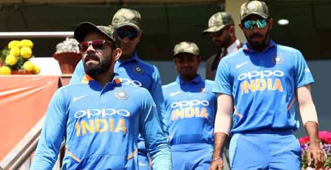 INDIA PLAYING WITH ARMY CAPS