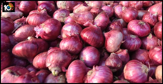 Onion prices continue to bring tears
