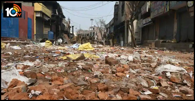 https://10tv.in/crime/2000-kg-red-bricks-used-attack-cleared-roads-delhis-riot-hit-areas-27016-52645.html
