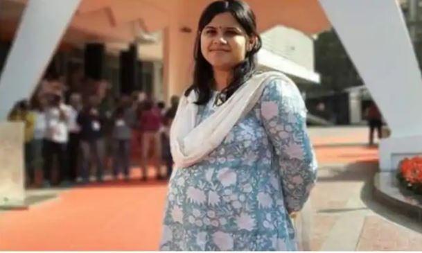 8-Month Pregnant MLA Namita Mundada Attends Maharashtra Assembly