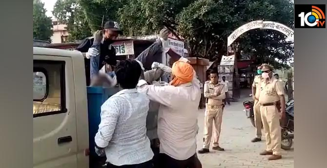 body dumped into garbage van in ups balrampur 7 suspended  outrage