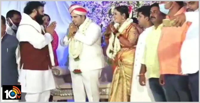 karnataka health minister sriramulu was seen without face mask at the wedding-ceremony