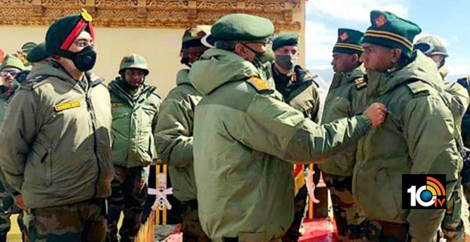 Army chief awards 5 soldiers for valiantly fighting Chinese troops in Galwan and Pangong Tso
