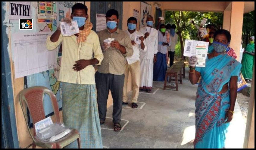 నో మాస్క్ – నో ఓట్ : దుబ్బాక పోలింగ్లో కోవిడ్ జాగ్రత్తలు