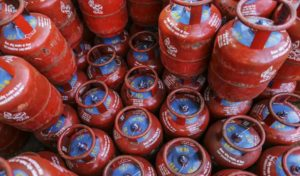 delhi-subsidy-gas-cylinder-price-rs-50-increased