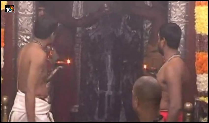 రథసప్తమి వేడుకలు, అరసవిల్లి..నిజరూపంలో దర్శనమిస్తున్న సూర్యభగవానుడు