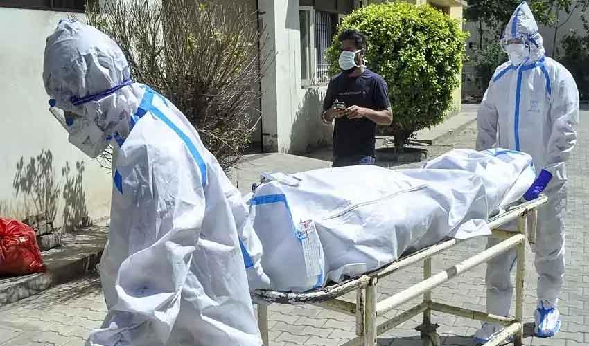 Corona Deaths : దేశంలో ఒక్కరోజే 4వేలకు చేరువగా కరోనా మరణాలు