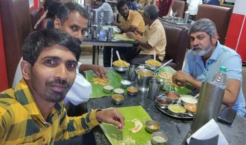 Jagapathi Babu : జగ్గూ భాయ్ సింప్లిసిటీ చూశారా..!