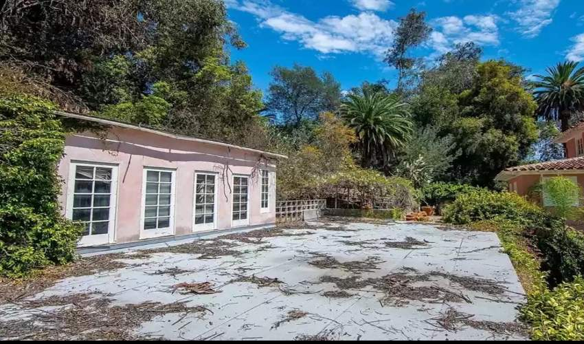 Osama Bin Laden's Family's Abandoned Bel Air Estate List (4)