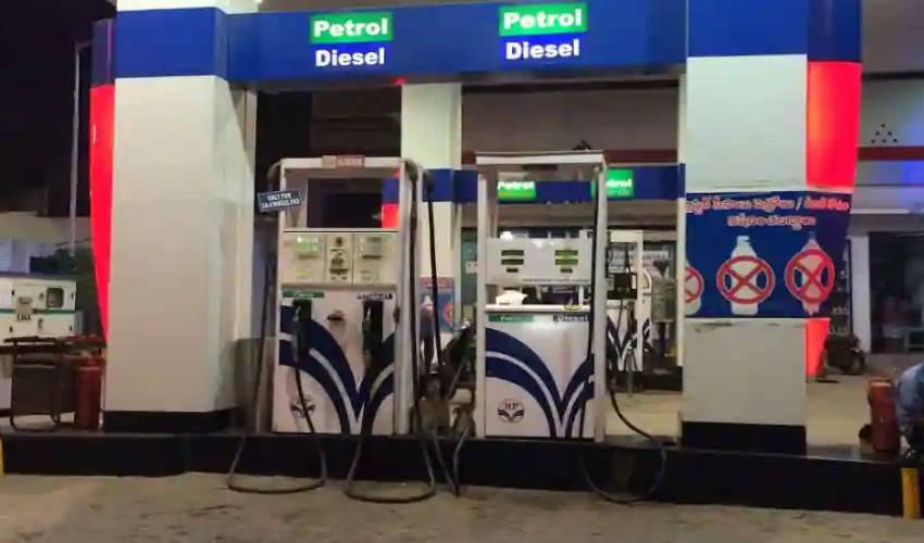 Petrol Rates: స్థిరంగా కొనసాగుతున్న పెట్రోల్ ధరలు