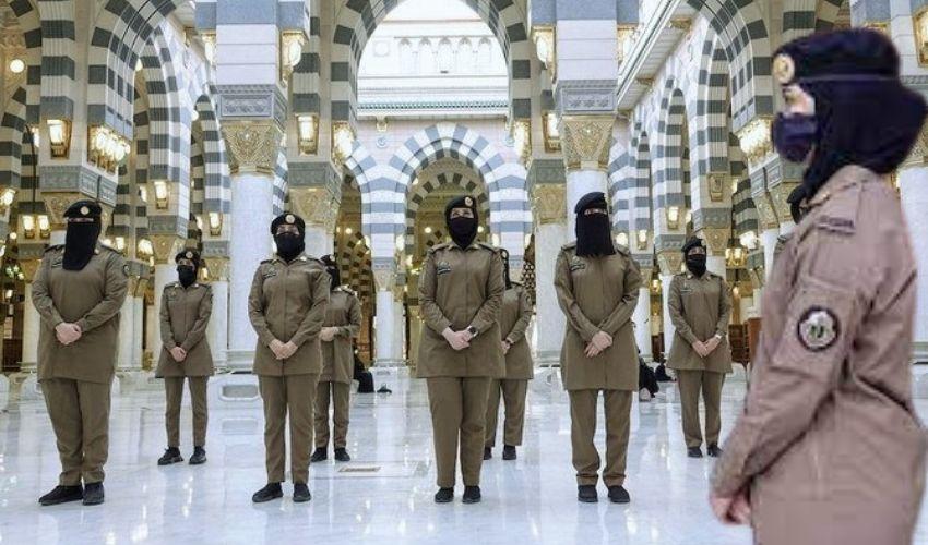 Mecca Yathra : హజ్ యాత్రలో భద్రతకోసం తొలిసారి మహిళా సైనికులు