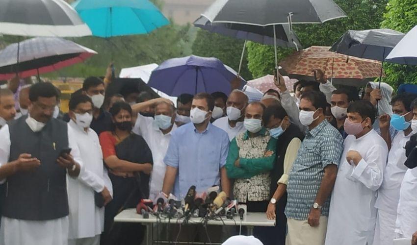 "Rahul Gandhi : పెగాసస్ తో ""భారత ప్రజాస్వామ్య ఆత్మ""పై ప్రధాని మోదీ దెబ్బకొట్టారు"
