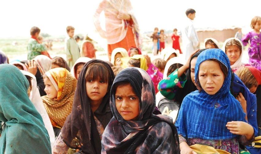 Taliban : అప్ఘాన్ వీడిన 5లక్షల మంది..మహిళలు,చిన్నారులే ఎక్కువ!