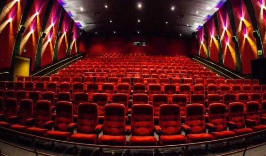 Theatres: టాలీవుడ్లో రెండు పెద్ద సినిమాల విషయంలో గొడవ.. OTTలో? థియేటర్లలో?