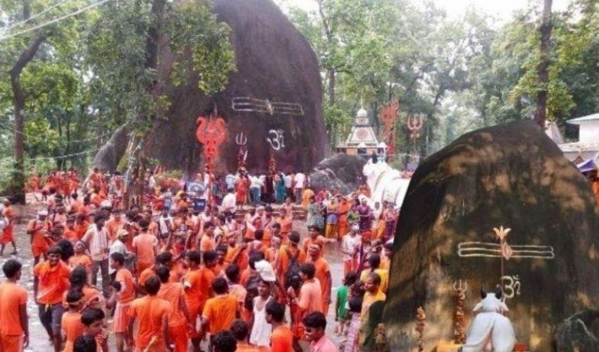 Bhuteshwar Nath Temple : శివలింగంపై గ్లాసు నీళ్ళు పోస్తే సమస్యలు పోతాయట!