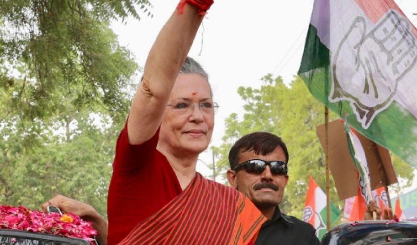 Sonia Gandhi : దూకుడు పెంచిన కాంగ్రెస్..విపక్ష నేతలతో సోనియా సమావేశం!
