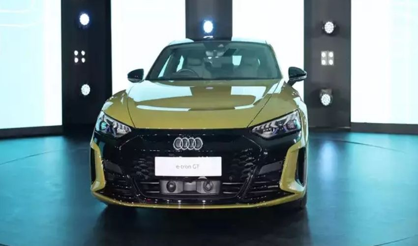 https://10tv.in/business/audi-launches-its-most-powerful-ev-in-india-279364.html