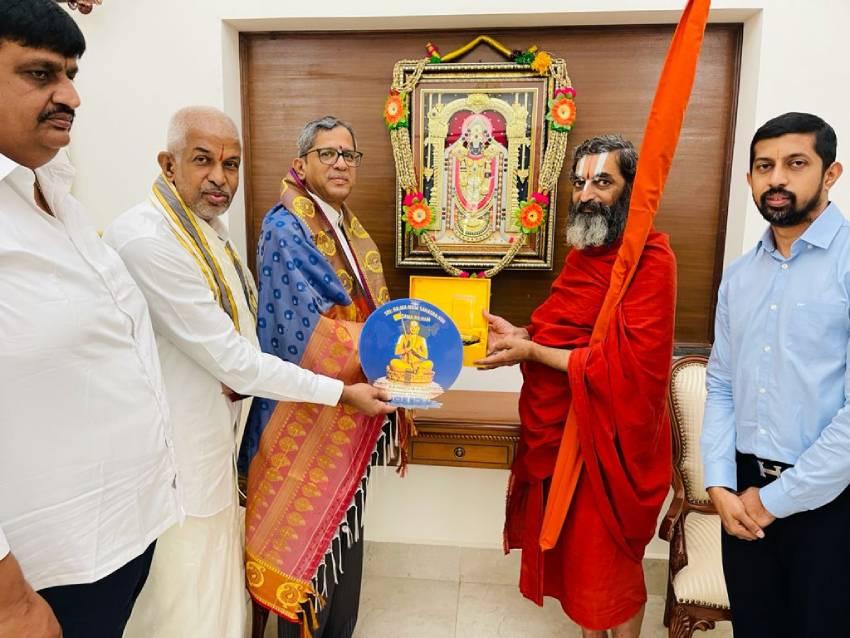 https://10tv.in/photo-gallery/chinnajeeyar-swamy-invites-cji-nv-ramana-along-with-my-home-rameshwar-rao-and-director-ranjit-rao-277256.html