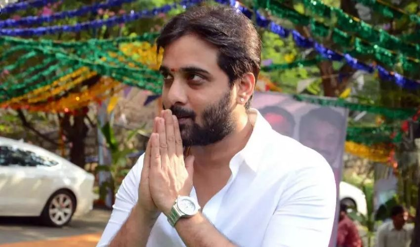 https://10tv.in/movies/tollywood-drugs-case-enquiry-going-on-and-hero-tarun-will-attend-today-279094.html