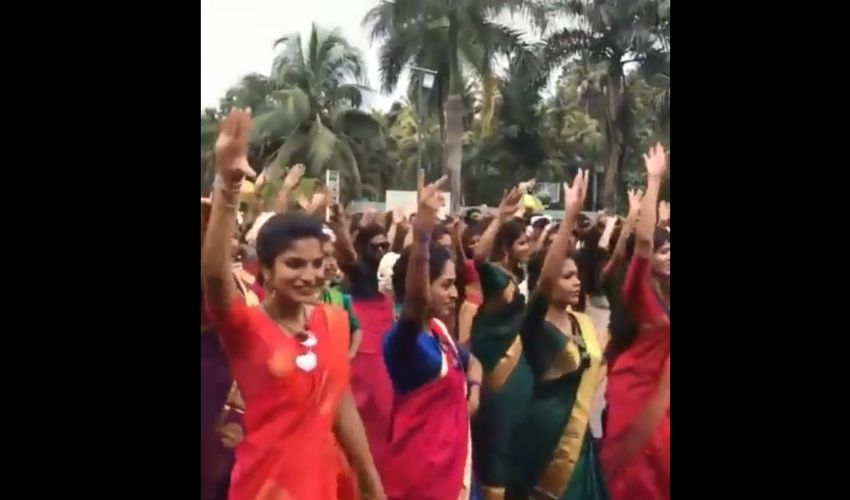 https://10tv.in/national/kerala-college-students-dance-video-2019-280985.html