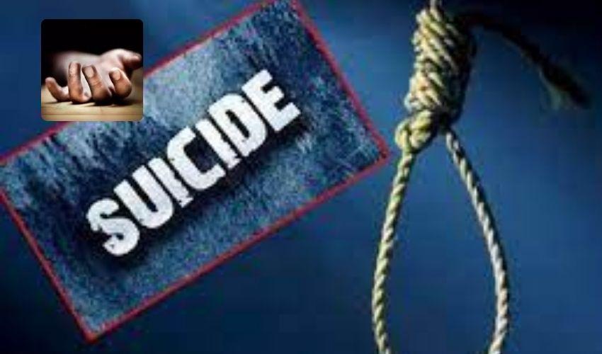 Suicide : భర్త కళ్లెదుటే ఉరేసుకుని భార్య ఆత్మహత్య