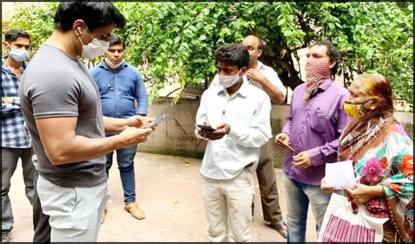 Sonu Sood: సోనూసూద్ నివాసంలో మూడో రోజు ఐటీ సోదాలు!