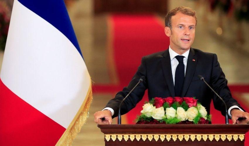 "French President : ఫ్రాన్స్ అధ్యక్షుడిపై ""కోడిగుడ్డు""దాడి"