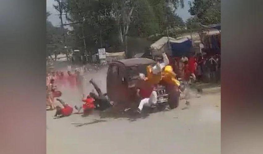 Jashpur District :  దసరా ర్యాలీలో ప్రమాదం..భక్తులపైకి దుసుకెళ్లిన కారు..ఒకరు మృతి
