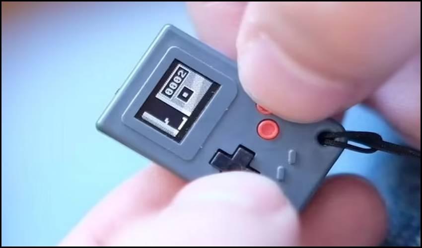 Smallest Game console : ఈ గేమ్ కన్సోల్ చూశారా? ప్రపంచంలోనే అతిచిన్నది!