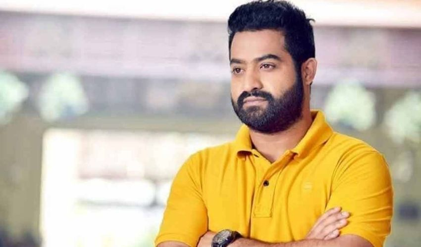 https://10tv.in/movies/jr-ntr-safe-game-with-senior-directors-294213.html