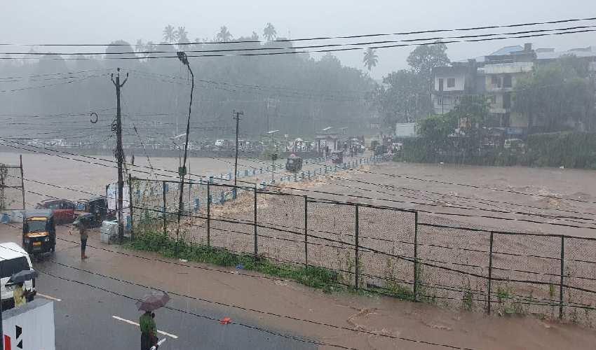 Kerala Rains : కేరళను ముంచెత్తిన వర్షాలు….ఈరోజు, రేపు శబరిమల దర్శనాలు రద్దు