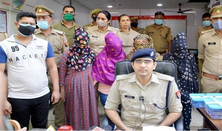 https://10tv.in/national/this-sextortion-gang-targeted-200-in-2-years-made-rs-22-crore-298178.html