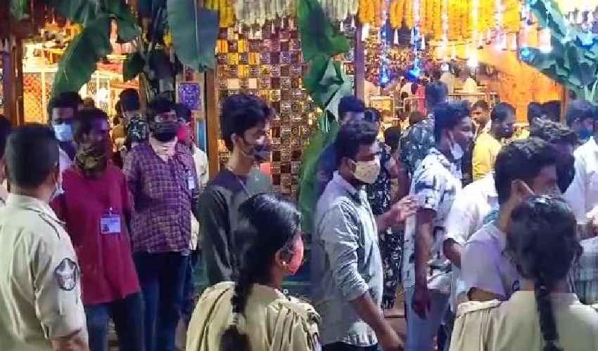 Vijayawada Piligrims 2