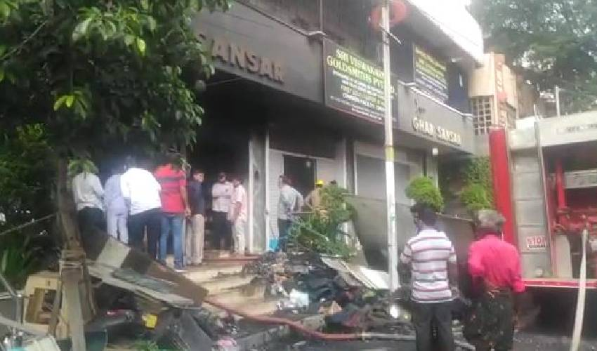 https://10tv.in/crime/bomb-blast-in-visakha-district-one-died-297783.html