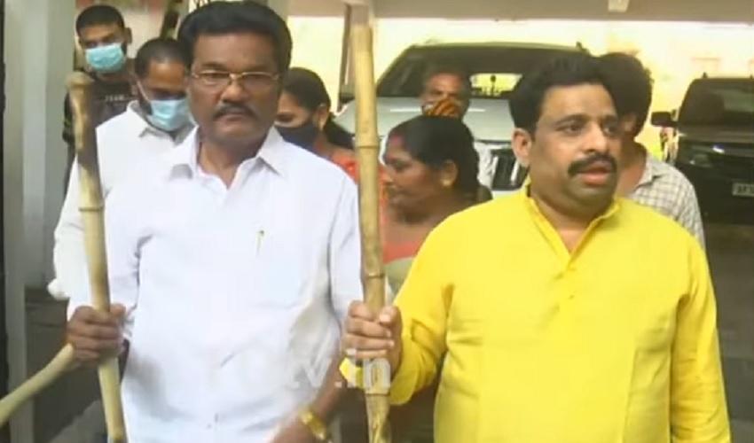 https://10tv.in/andhra-pradesh/tdp-leader-budha-venkanna-serious-on-ycp-295138.html
