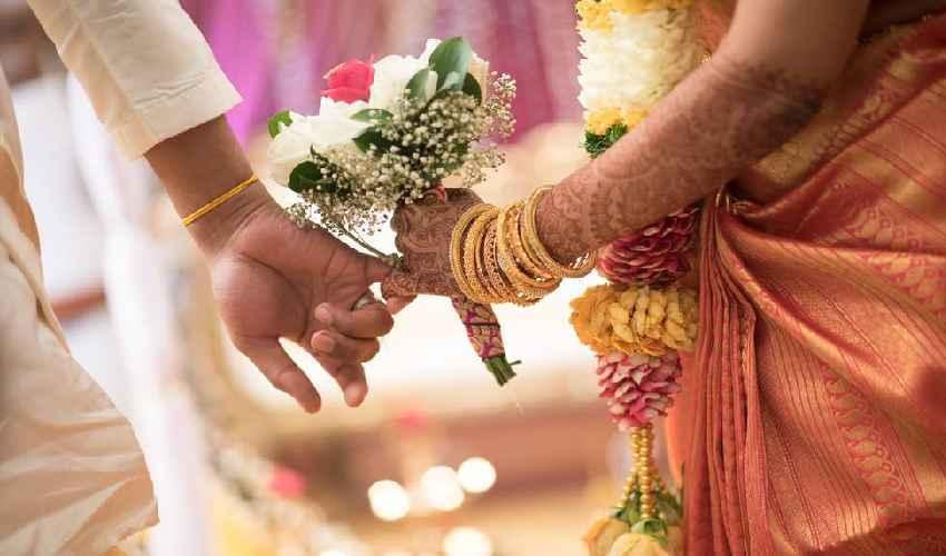 Illegal Marriages : ఒకరికి తెలియకుండా ఒకరిని… నాలుగు పెళ్లిళ్లు చేసుకున్న తమిళ తంబి