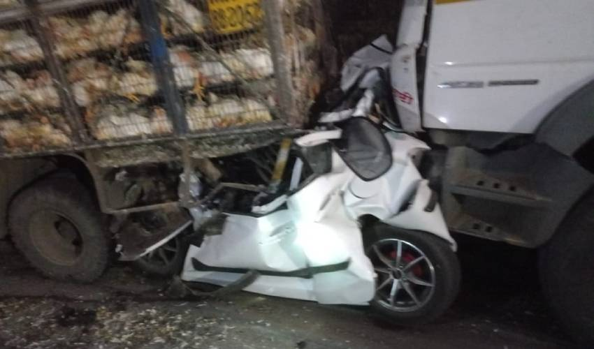 https://10tv.in/national/road-accident-in-accident-on-pune-mumbai-expressway-293907.html