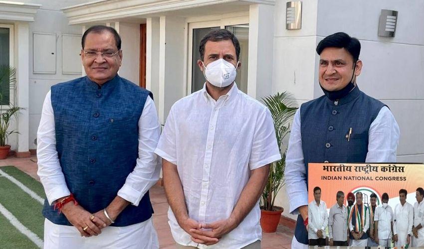 https://10tv.in/national/setback-for-bjp-in-uttarakhand-minister-yashpal-arya-joins-congress-ahead-of-assembly-polls-290345.html